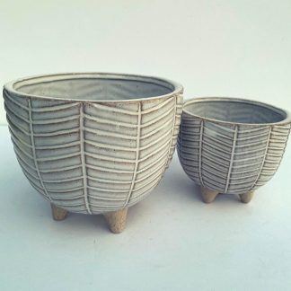 Footed Bow Feather Pot