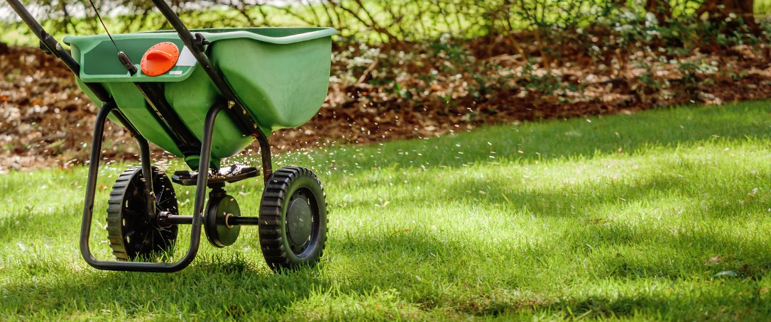 Ted Lare Central Iowa fall lawn care landscape tips apply fertilizer