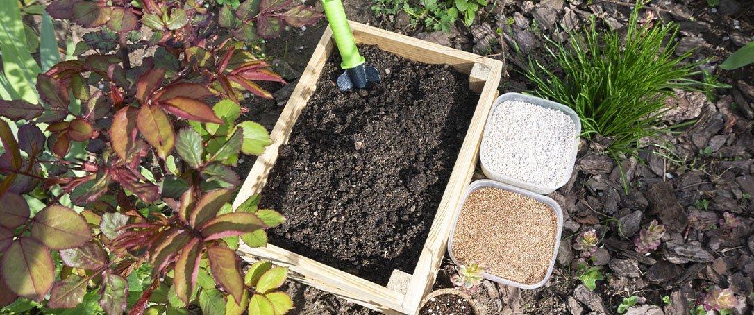 mix of soil amendments