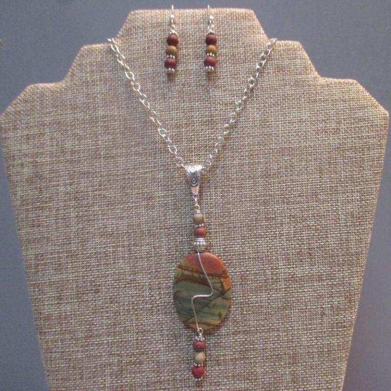 Wire Design Stone Necklace Workshop 8/28/21 9am